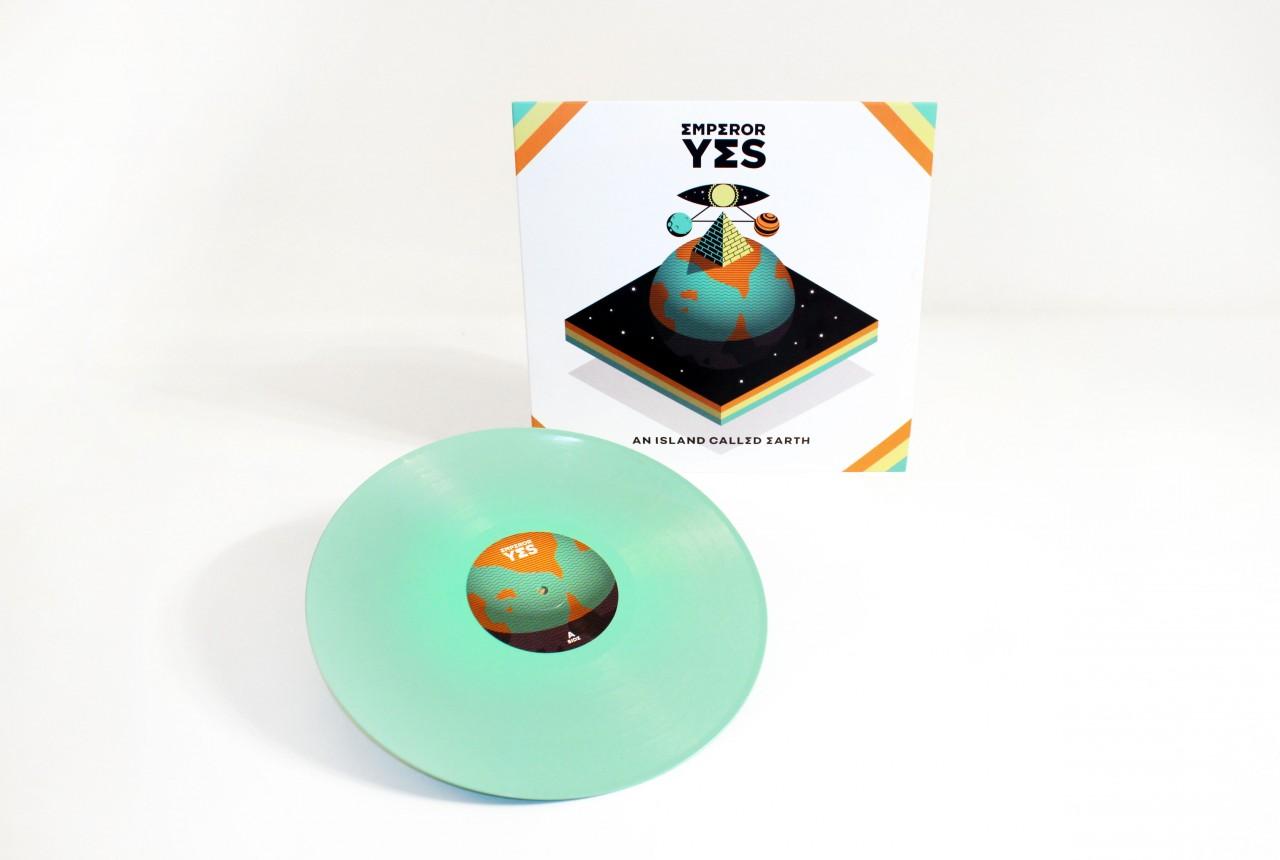 on_web_em_vinyl_front